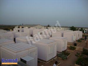 مخيمات كبيرة لايواء الاجئين