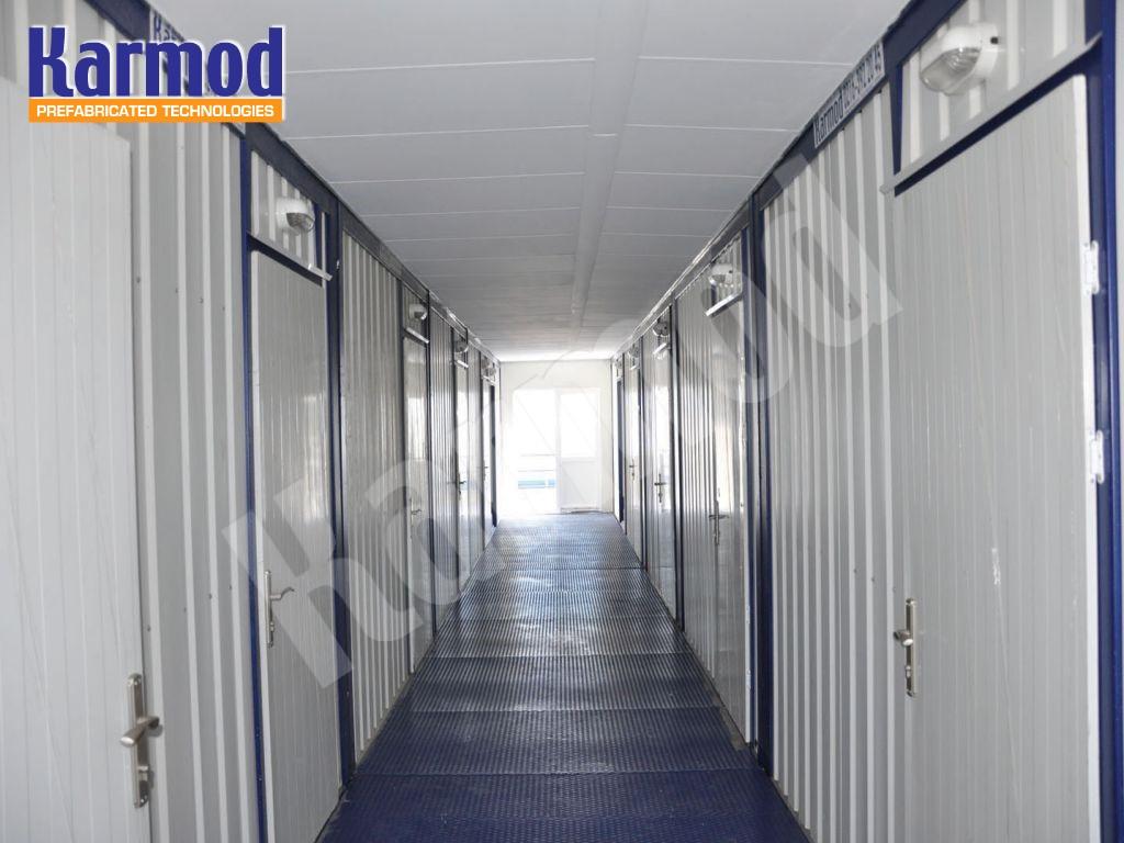 ثلاثة طوابق سكن العمال